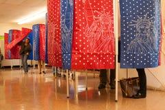 Eleitores em Manchester, New Hampshire, EUA, novembro 4 Imagem de Stock
