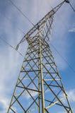 elektriciteit De lijnen van de macht Stock Foto