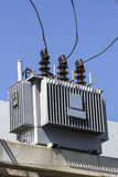Elektriciteitspolen en elektroisolatie Royalty-vrije Stock Afbeelding