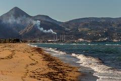 Elektricitet för fabrik för tillverkning av nära havet royaltyfri foto
