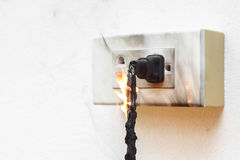 Elektricitet kortsluter royaltyfri foto