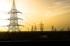 Elektricitet till öknen Fotografering för Bildbyråer