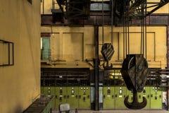 Elektricitetsfördelningskorridor i metallbransch Royaltyfria Foton