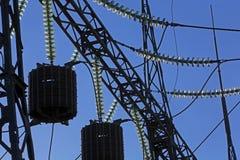 Elektricitetslinjer royaltyfria bilder