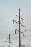 Elektricitetspylon mot himmel Royaltyfri Foto