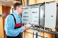 Elektrikeringenieurarbeitskraft Stockbilder