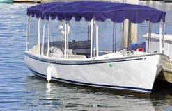 Elektrisch betriebenes Boot stockfotografie