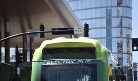 Elektrisch Busopenbaar vervoer royalty-vrije stock afbeelding