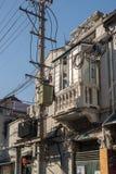 Elektrisch und Telefon verkabelnd auf Pfosten in Shanghai China stockbilder