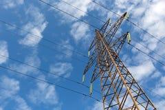 Elektrische Übertragungszeile Stockfotos