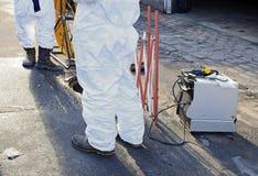 Elektrische Arbeiten in den Abwasserkanälen Lizenzfreies Stockbild