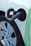Elektrische auto blauwe energie stock foto