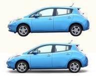 Elektrische auto die op wit wordt geïsoleerd Stock Fotografie
