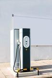 Elektrische auto het laden post Royalty-vrije Stock Afbeelding