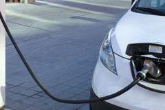 Elektrische auto het laden post in viering Florida Verenigde Staten de V Stock Afbeelding