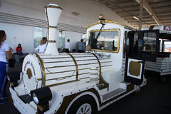 Elektrische auto voor bezoekers van Olympische Spelen Stock Foto