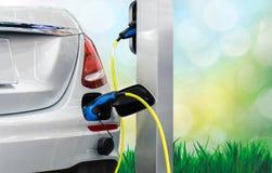 Elektrische autoduurzame energie de toekomst stock foto