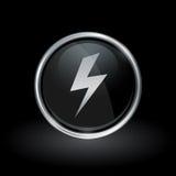 Elektrische Bolzenstreikikone innerhalb des runden Silbers und des schwarzen Emblems Stockfotos