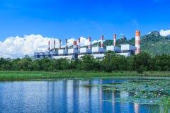 Elektrische centrale en milieu Stock Fotografie