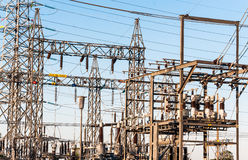 Elektrische centrale met draad Stock Afbeeldingen