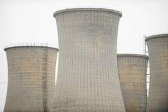 Elektrische centraleschoorstenen Stock Foto's