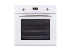 Elektrische die oven op witte achtergrond wordt geïsoleerd stock foto's