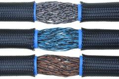 Elektrische Drähte im flexiblen Rohr Lizenzfreies Stockfoto
