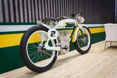Elektrische fiets bij EICMA 2013 in Milaan, Italië Stock Foto