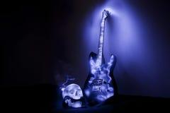Elektrische gitaar met schedel Royalty-vrije Stock Foto's