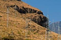 Elektrische Gondelstiele auf Abhang Lizenzfreies Stockfoto