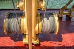Elektrische Handkurbel auf einem Boot lizenzfreies stockbild
