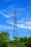 Elektrische Hochspannungsmetallsäule Lizenzfreie Stockfotografie