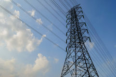 Elektrische hoogspanningspost Stock Fotografie