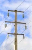 Elektrische hoogspanningtoren Stock Foto's