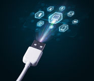 Elektrische kabel met de pictogrammen van verschillende media Stock Foto