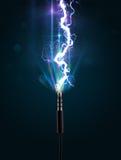 Elektrische kabel met gloeiende elektriciteitsbliksem Royalty-vrije Stock Foto