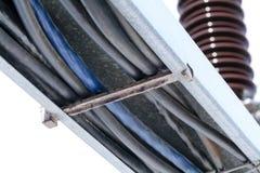 Elektrische Kabel sind im Kasten Stockfotografie
