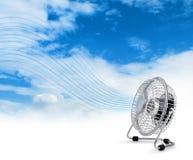 Elektrische koelere ventilator die verse lucht blaast stock afbeeldingen