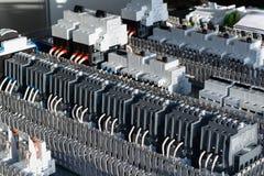 Elektrische Komponenten auf der Leiterplatte Lizenzfreie Stockfotografie