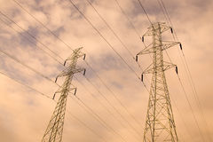 Elektrische Kontrolltürme Lizenzfreies Stockfoto
