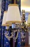Elektrische lamp in een luxueuze uitstekende stijl op de spiegel Royalty-vrije Stock Foto