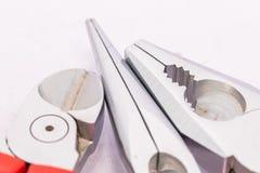 Elektrische Leiter und Schneidwerkzeuge stockfoto