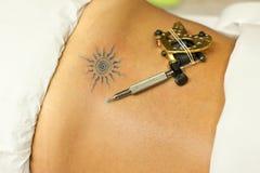 Elektrische pen voor tatoegering Stock Afbeeldingen