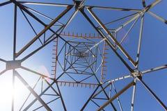 Elektrische Pfostenhochspannungsstruktur Stockfoto