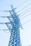 Elektrische pijler over hemel Royalty-vrije Stock Afbeeldingen