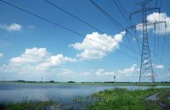Elektrische pylonen stock afbeeldingen