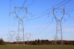 Elektrische pylonen Royalty-vrije Stock Afbeelding