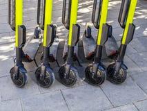 elektrische Stadtroller für Miete lizenzfreie stockbilder