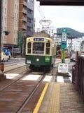 Elektrische Tram Nagasakis in Japan Stockfoto