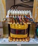 Elektrische Transformatorhauptleitung Stockfoto